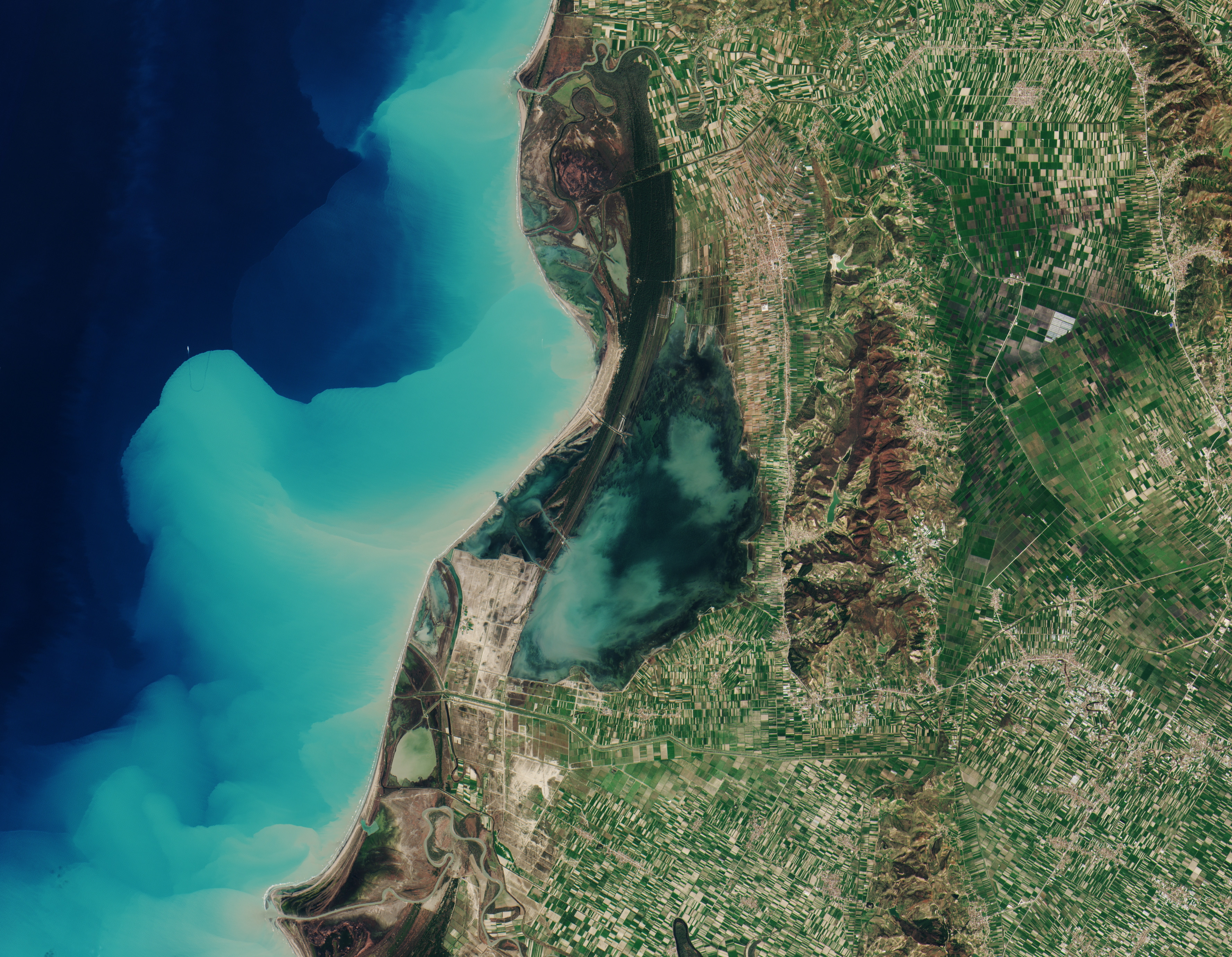 bpc_sentinel2b-karavasta-lagoon-albania.jpg